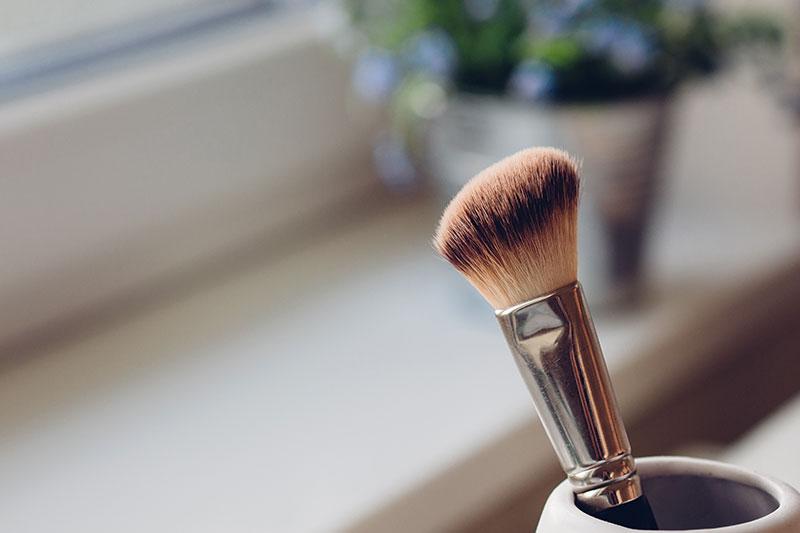 Cómo maquillar la piel con acné